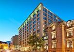Location vacances Montréal - Le Square Phillips Hôtel & Suites-1
