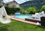 Location vacances  Aveyron - Holiday home Le Valat-1
