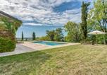 Location vacances  Tarn-et-Garonne - Cazes-Mondenard Chateau Sleeps 12 with Pool and Wifi-2