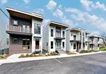 Location vacances Nashville - Stylish Retreat with Rooftop Deck & City Views townhouse-3
