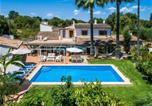 Location vacances Llubí - Holiday Home in Llubi Sleeps 6 with Pool Air Con and Wifi-1