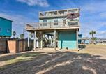 Location vacances Freeport - Surfside Beach Escape with 2-Tier Deck and Patio!-3