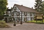 Hôtel Lindlar - Hotel Meyer Alter Bergischer Gasthof-1
