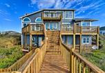 Location vacances Harkers Island - Large Beachfront Home with Boardwalk and Elevator-1