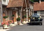 Location vacances Saint-Pierre-du-Val - B&B Le Clos du Phare-1