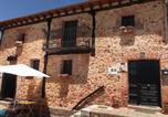 Location vacances  Soria - Casa Rural Las Bardas-1
