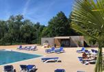 Villages vacances Saint-Nicolas-des-Biefs - Camping Les Portes Du Beaujolais-3