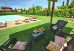Location vacances Lucignano - Cozy Cottage in Lucignano with Swimming Pool-4