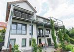 Location vacances Oberhof - Modern Apartment in Zella-Mehlis with Private lawn-2