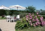 Location vacances L'Aiguillon-sur-Vie - House Proximité centre-ville, en impasse, maison de pays avec grand jardin clos / 5 personnes 2-4