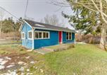 Location vacances Oak Harbor - Little Blue House-1