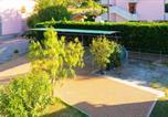Location vacances  Province de Livourne - Appartamenti Family & Beach - Marina di Campo-4