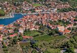 Location vacances Stari Grad - Apartments Lupi-2