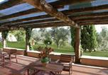 Location vacances  Province de Rieti - Magliano Sabina Villa Sleeps 8 Pool Wifi T218388-4