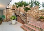 Location vacances Mongiuffi Melia - Letojanni Villa Sleeps 7 Pool Air Con Wifi-3