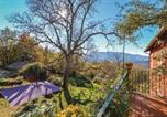 Location vacances  Province de Frosinone - Six-Bedroom Holiday Home in Settefrati (Fr)-2