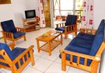 Location vacances Mahebourg - Apartment with 3 bedrooms in Blue Bay with wonderful sea view enclosed garden and Wifi 300 m from the beach-1