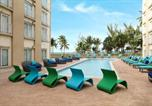Hôtel Bahamas - Courtyard by Marriott Nassau Downtown/Junkanoo Beach-1