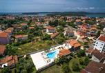 Location vacances Medulin - Five bedroom villa Emily with pool in Medulin-2