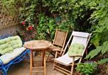 Location vacances Sutton - 2 Bedroom Tooting Flat with sunny garden sleeps 6-1