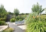 Location vacances Nieuwvliet - Modern Holiday Home in Nieuwvliet with Garden-4