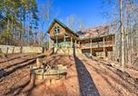 Location vacances Elberton - Wood Cabin with Fire Pit, 5 Mi to Lake Hartwell-1