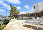 Location vacances Diddillibah - April 19 - 4 Bedroom Home on Canal with Pool, Pontoon, Aircon & Wifi!-4