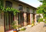 Location vacances Pouy-de-Touges - Roses & Arc en Ciel-3