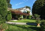 Location vacances  Province de Trévise - Monumental Mansion in Crespignaga with Swimming Pool-2