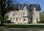 Hôtel Bourges - Le château de la brosse Chambres d'hôtes-2