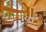 Location vacances Cocolalla - Antler Cove Log Home-4