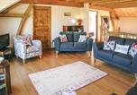 Location vacances Fromental - Eight-Bedroom Holiday Home in Saint Dizier Leyrenne-2