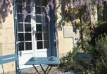 Location vacances Hautefort - Les Glycines Studio Apartment-4