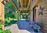 Location vacances Johnston - Luxe Countryside Lodge Steps to Raccoon River-2