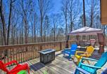 Location vacances Elberton - The Lake Place Cabin with Golf Cart and Kayaks!-1