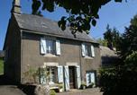 Location vacances Saint-Martin-Valmeroux - Maison De Vacances - Auzers-1