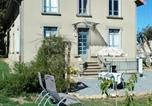 Location vacances  Creuse - Apartment with 3 bedrooms in Crocq with enclosed garden and Wifi 60 km from the slopes-1