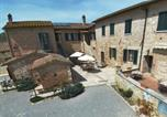 Location vacances  Province de Sienne - Boutique Farmhouse with Pool in Asciano-3