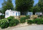 Camping 4 étoiles Louvemont - Camping La Presqu'île de Champaubert-1