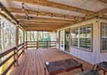 Location vacances Dillard - Spacious Sky Valley Cabin with Deck and Fireplace-4