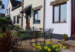 Location vacances Padstow - Cosy Holiday Home in Cornwall near River-4