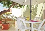 Location vacances  Province de Raguse - Three-Bedroom Holiday Home in Santa Croce Camerina-2