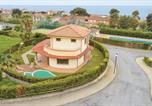 Location vacances Altomonte - Amazing home in Sangineto Lido w/ Outdoor swimming pool, Jacuzzi and Sauna-1