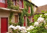Location vacances  Vienne - Charmante Maison De Campagne Du 17ème siècle à Lilette-1