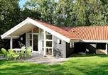 Location vacances Ærøskøbing - Five-Bedroom Holiday home in Humble 1-1