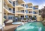 Location vacances Coolum Beach - Fabulous Beachfront Position-1