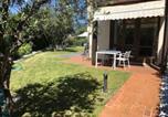 Location vacances Costermano - Villa con ampio giardino esterno e piscina condominiale-1