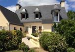 Location vacances Saint-Donan - Peaceful house with flower garden-2