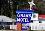 Hôtel Columbia - Grand Motel and Apartments-1