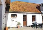 Location vacances Calais - One-Bedroom Holiday Home in Hames-Boucres-1